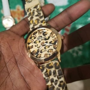 Ladies Geneva Cheetah Wrist Watch